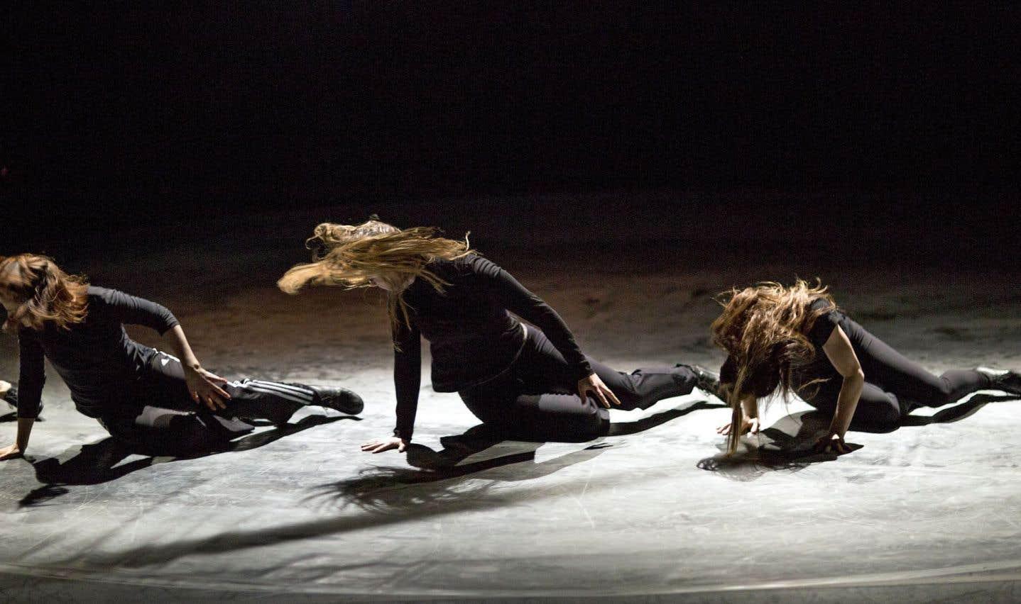 «Tierra» en répétition, une pièce féminine, à la scénographie toute en rondeur
