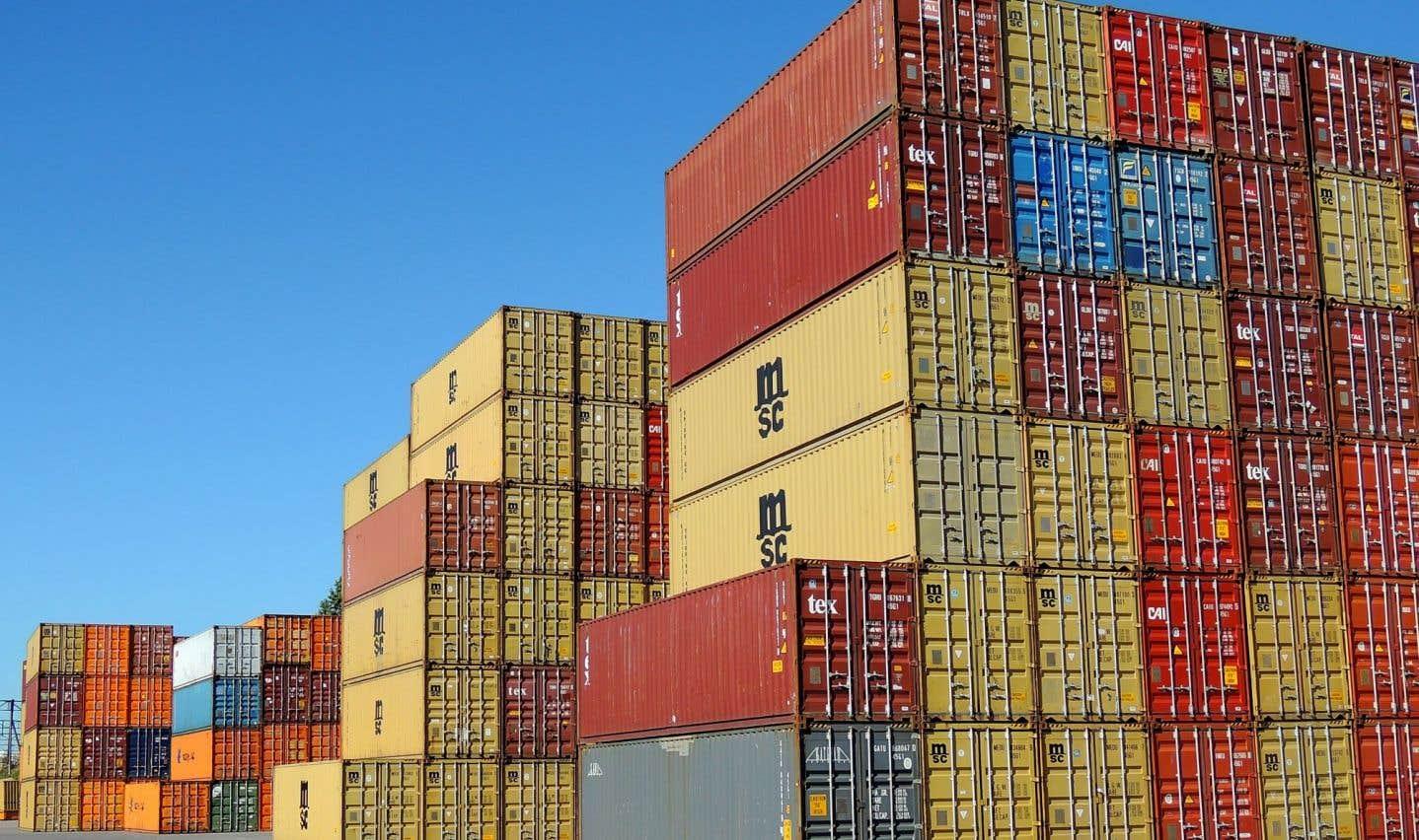Pas moins de 2500 caissons de vingt à trente pieds transitent tous les jours au Port de Montréal.