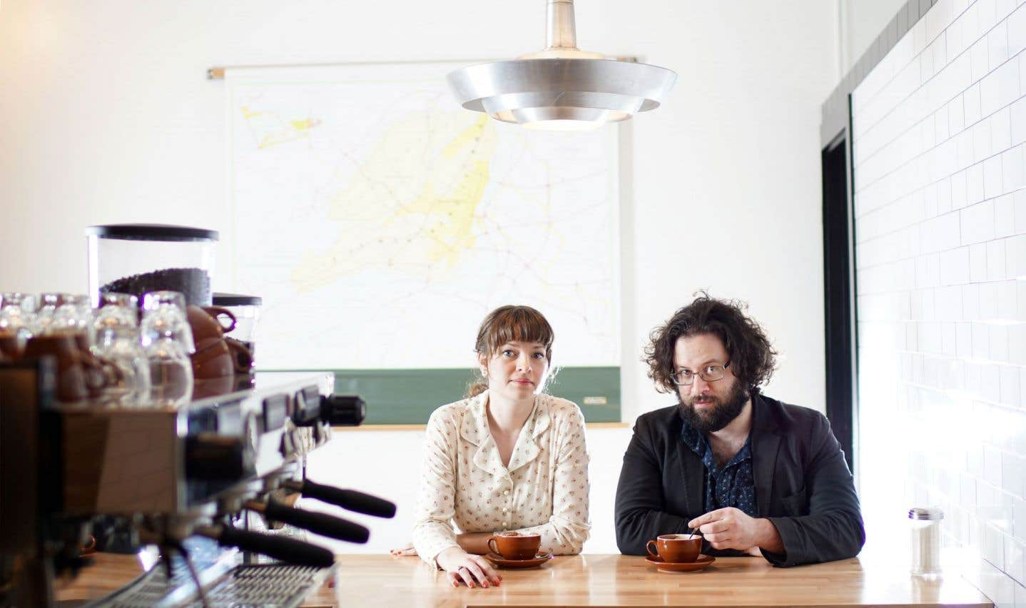 Sur «CPH-Café-YUL», le deuxième et plus récent disque du duo, un violon s'introduit en bourdon aérien sur une turlutte doucement scandinave.