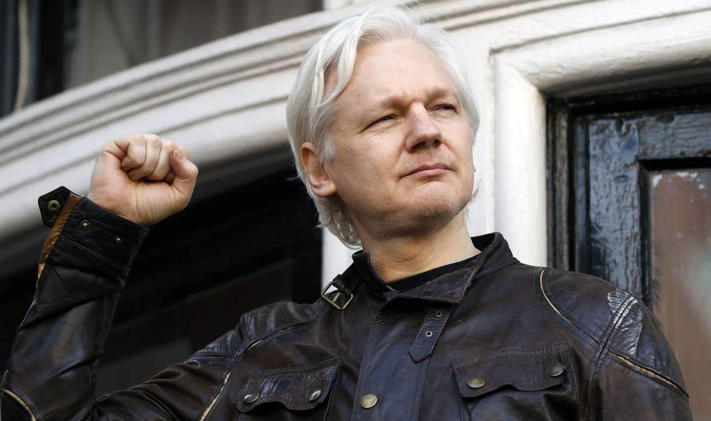 Les poursuites abandonnées, Assange crie victoire