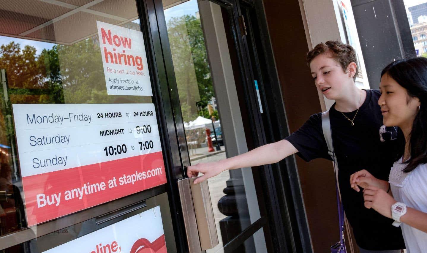 La création d'emplois et le chômage en baisse