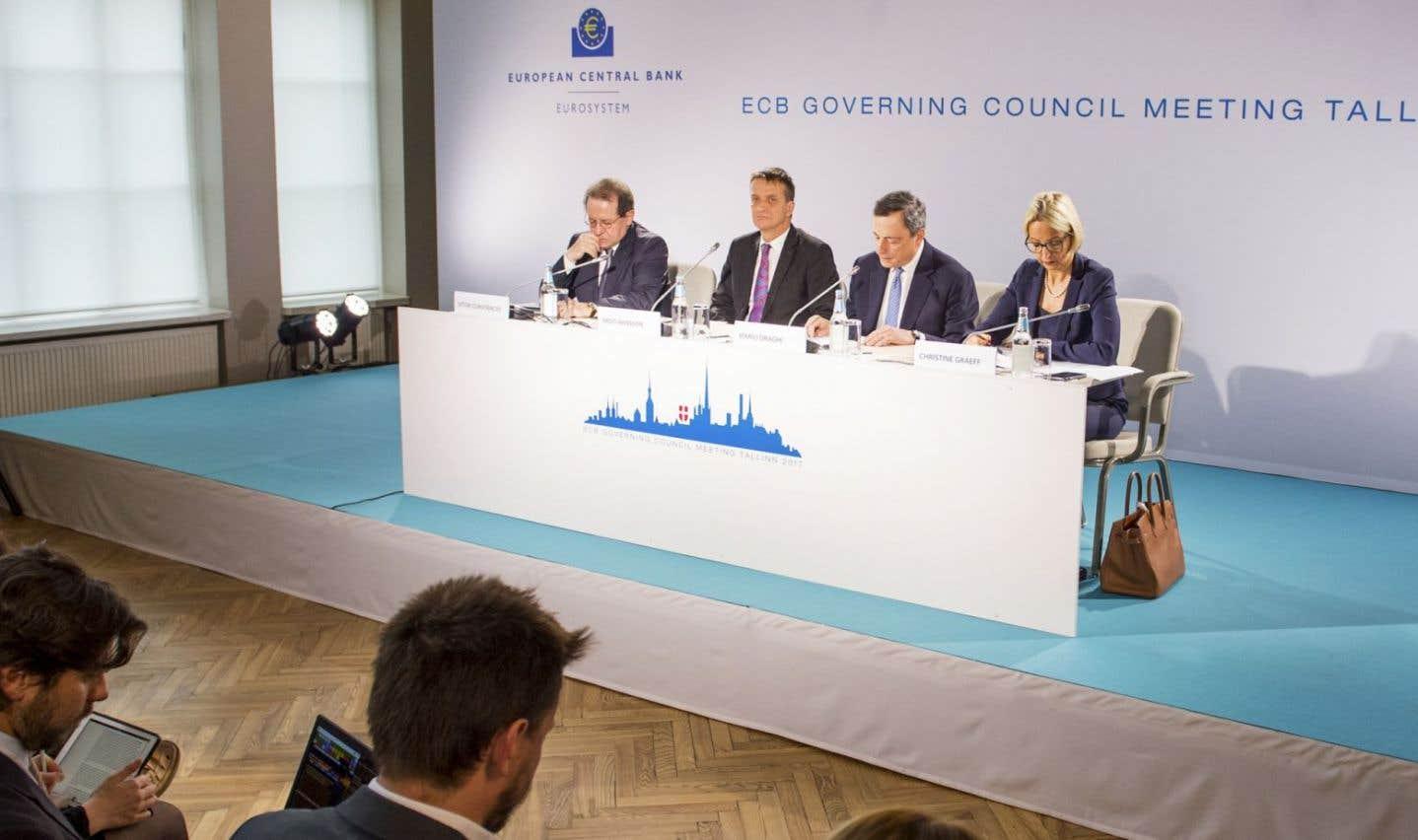 La BCE conserve l'intention de relever les taux d'intérêt «bien après» la fin de son programme de rachats de dette.