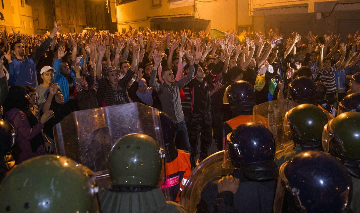 Maroc: arrestations et poursuite des manifestations à Al-Hoceïma