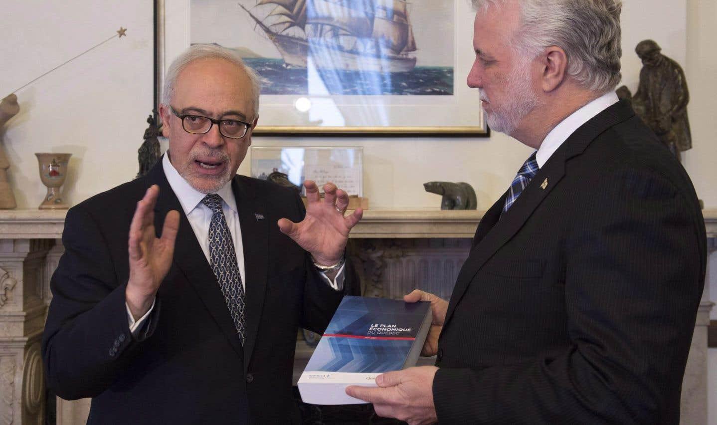 Le ministre québécois des Finances,Carlos Leitão, et le premier ministre, Philippe Couillard