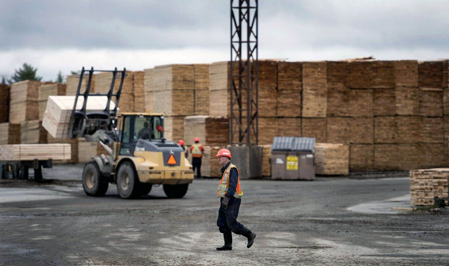Les États-Unis relèvent les taxes frontalières sur le bois d'oeuvre