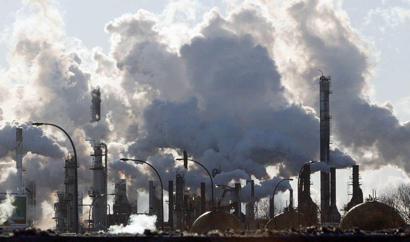 Marché du carbone: le PQ exige des consultations