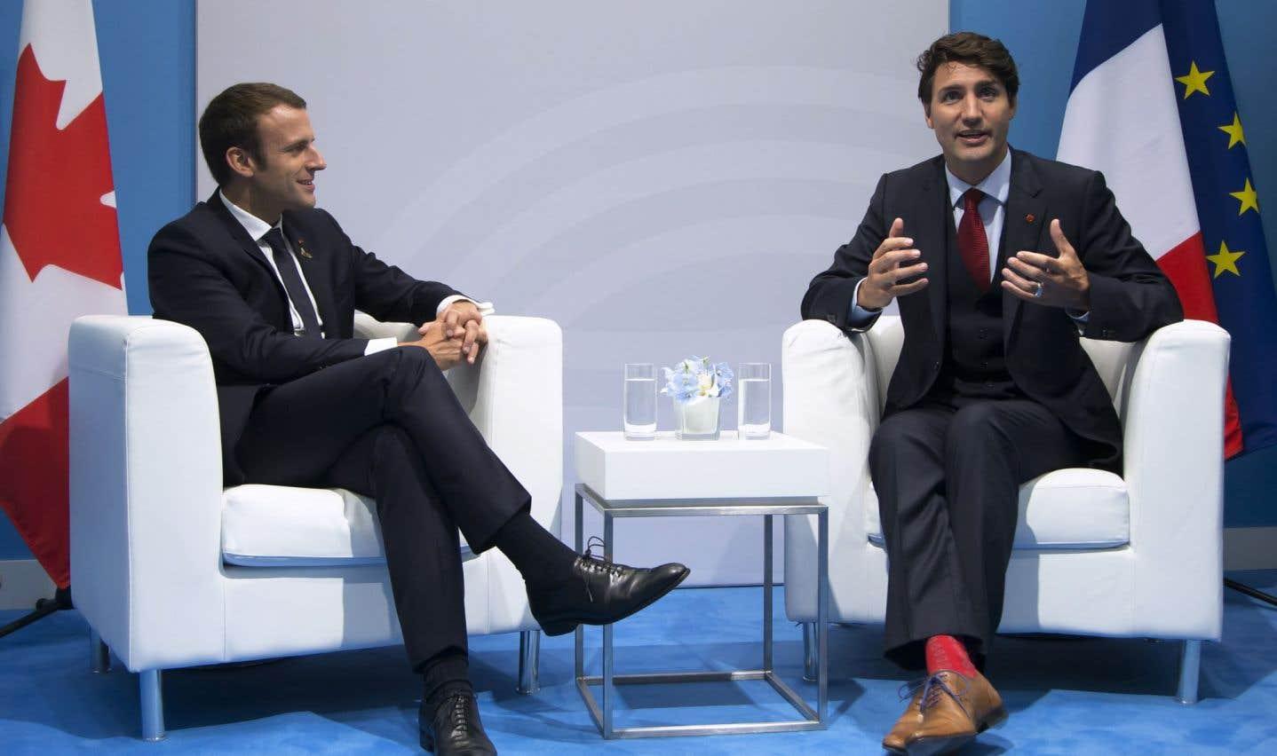 Macron crée une commission pour examiner l'AECG