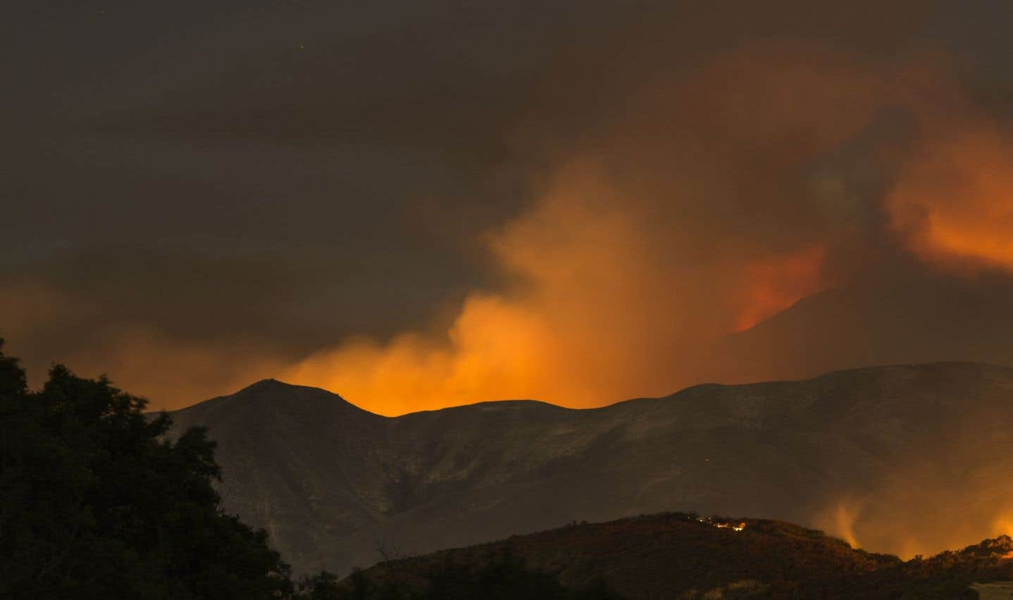 5000 pompiers combattent des feux de forêt en Californie