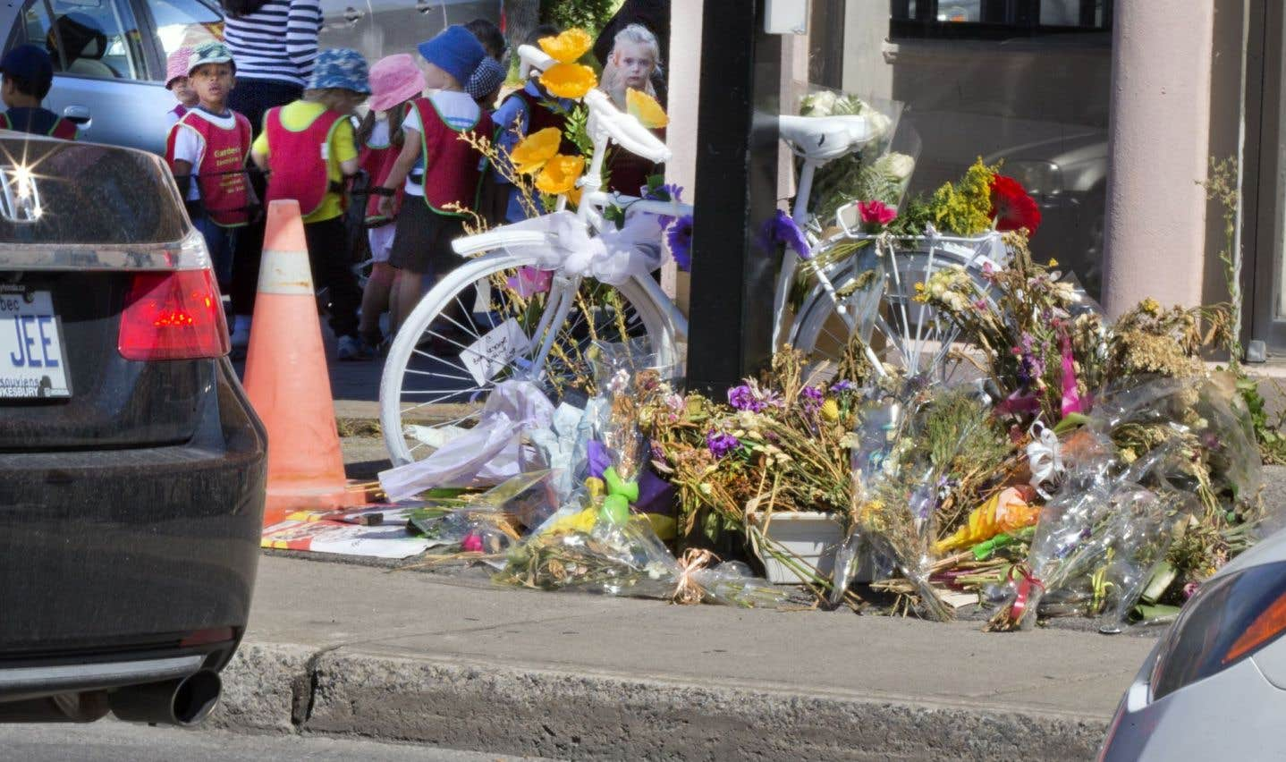 Un vélo fantôme avait notamment été installé peu de temps après la mort de la cycliste Justine Charland-St-Amour, en septembre dernier.