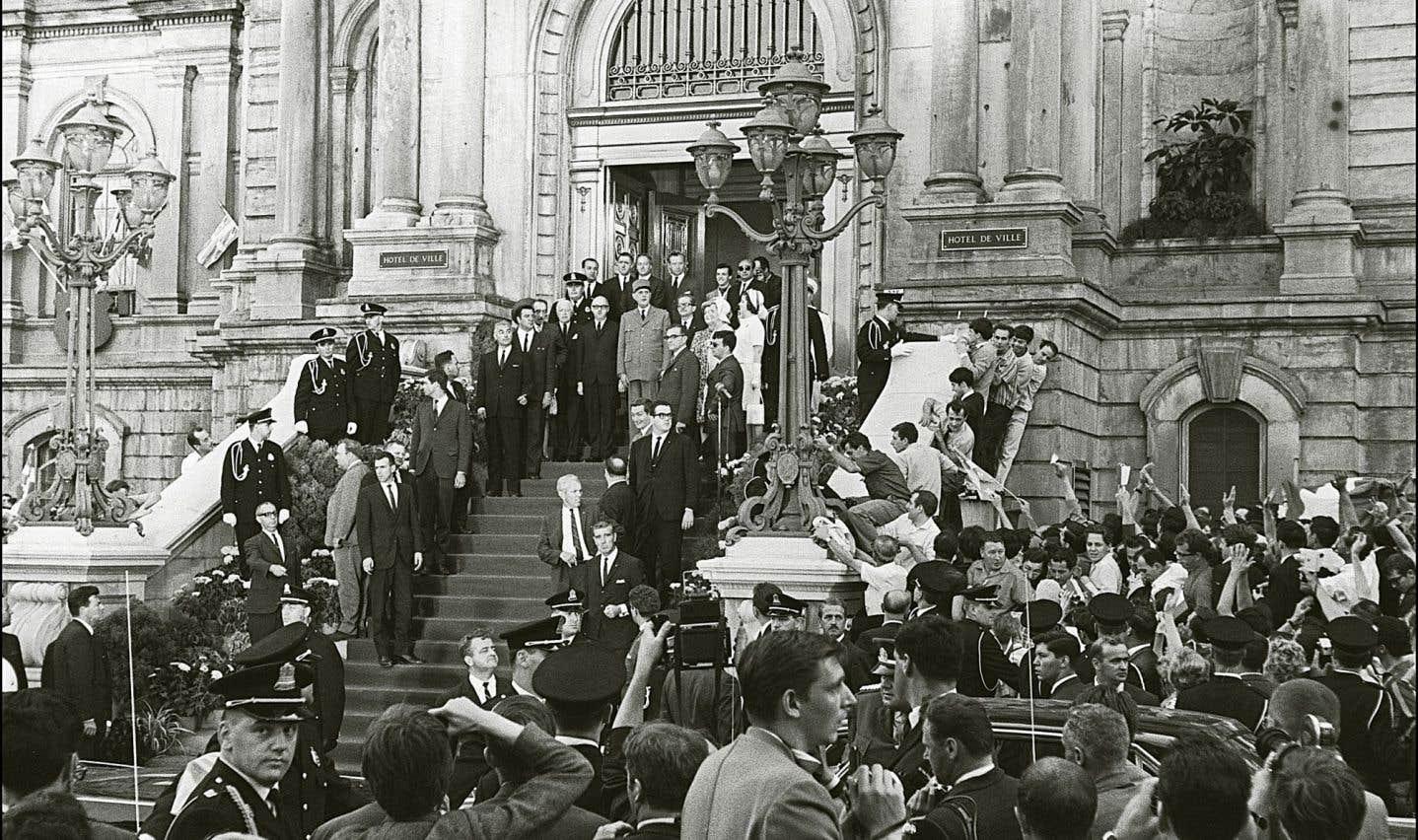 Charles de Gaulle à l'hôtel de ville de Montréal en 1967