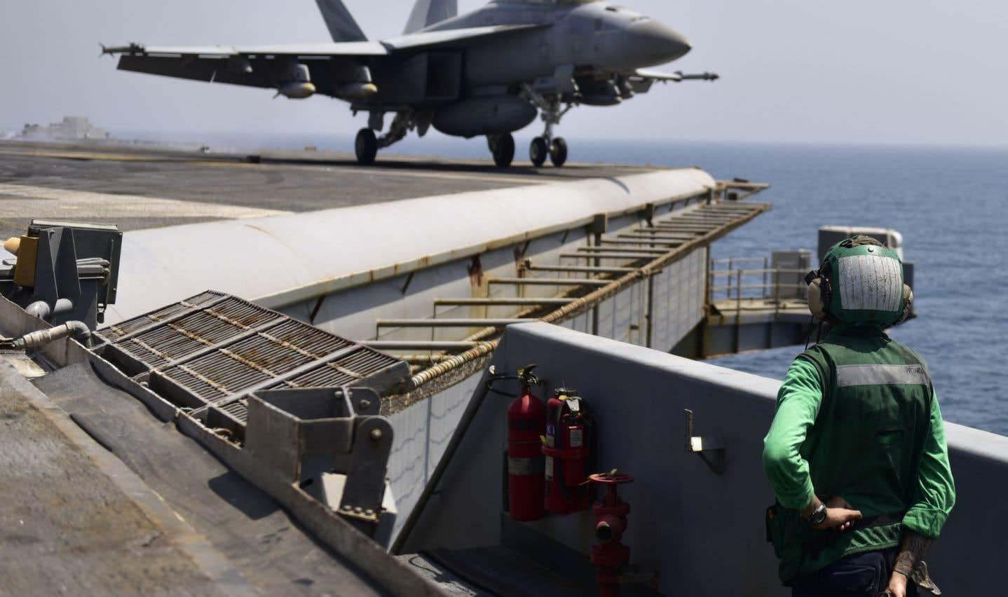 L'incident s'est produit vendredi après-midi entre le porte-avion Nimitz (sur cette photo) et les navires l'accompagnant d'un côté et des frégates iraniennes équipées de missiles de l'autre.