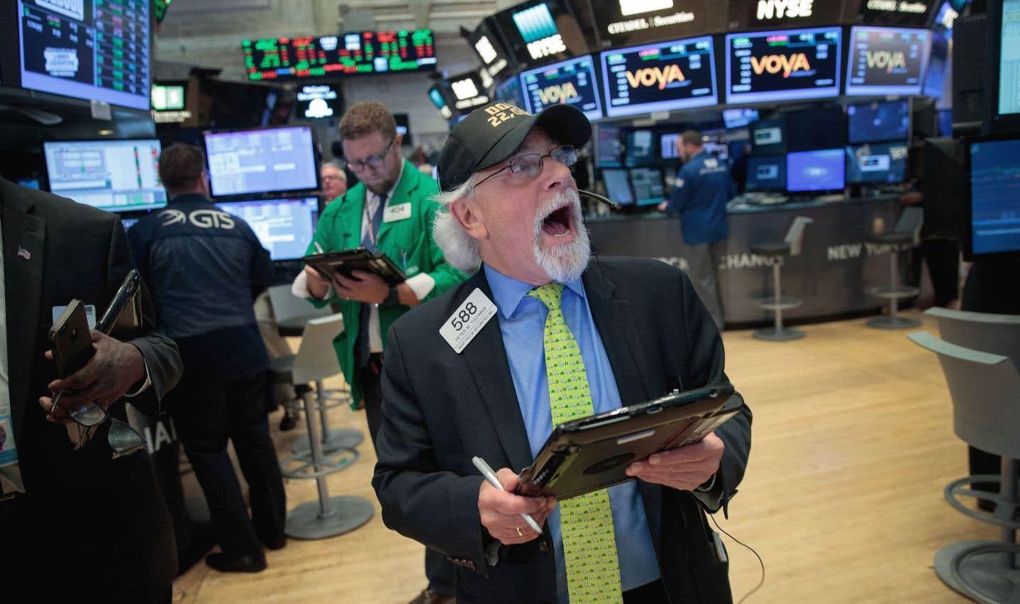 «La hausse du Dow est entièrement à mettre au crédit d'Apple», a remarqué Peter Cardillo, de First Standard Financial.