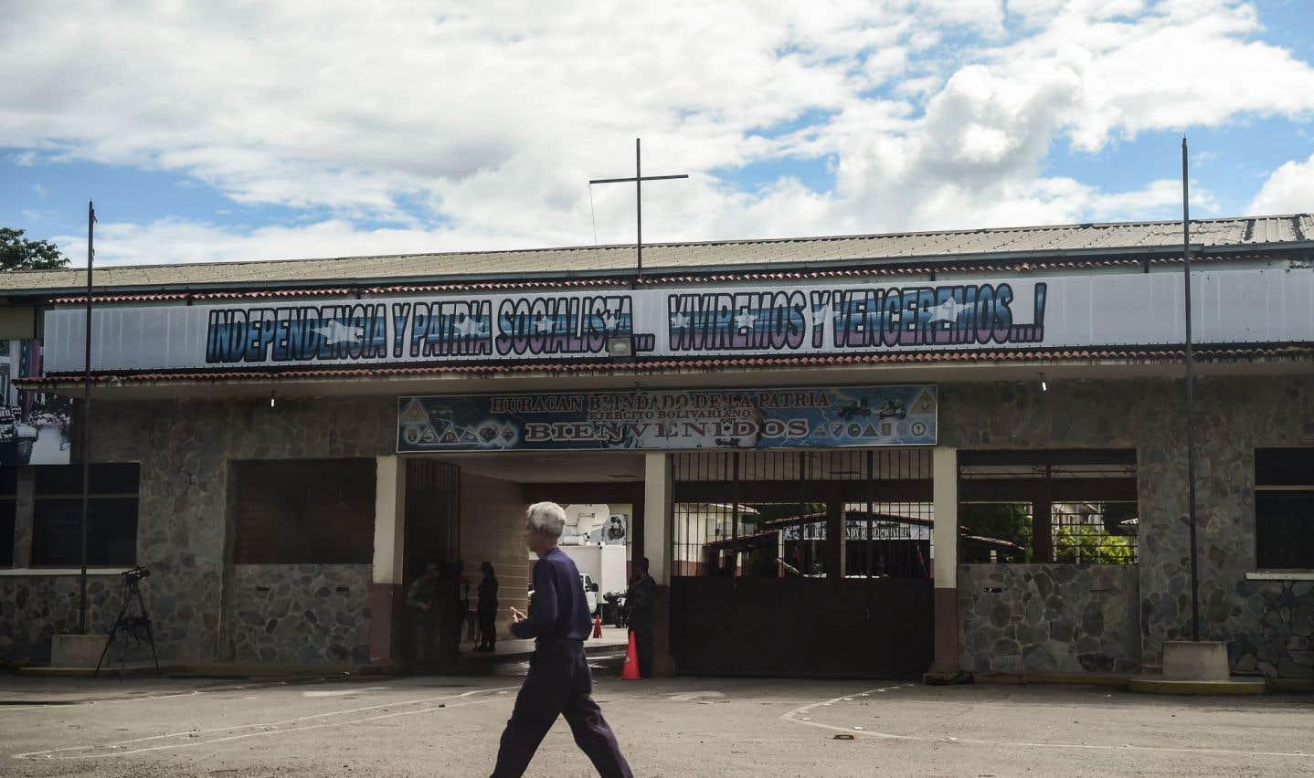Venezuela: l'armée est-elle en train de lâcher Maduro?