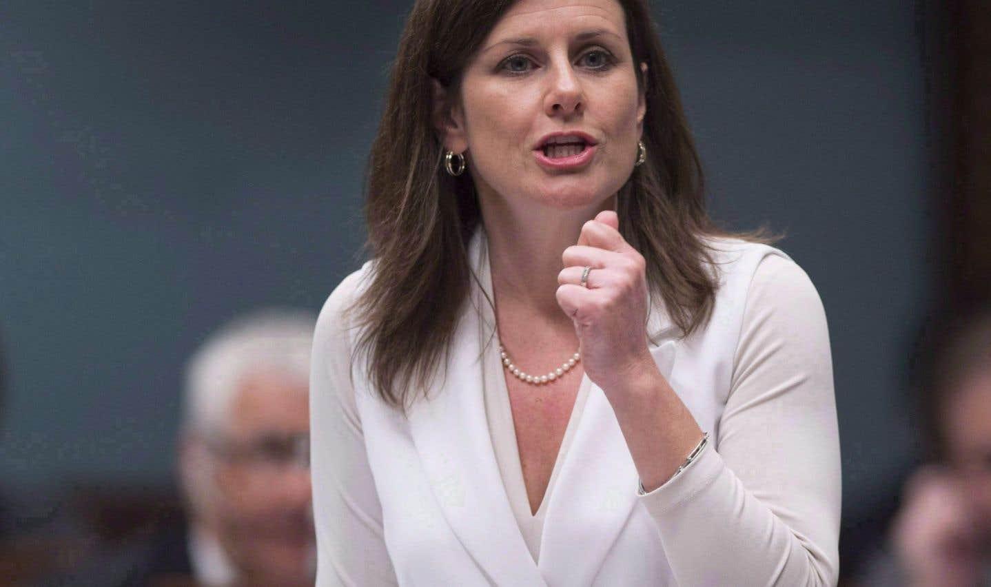 La ministre de la Justice, Stéphanie Vallée, a déposé mardi les amendements à son projet de loi62 en commission parlementaire.