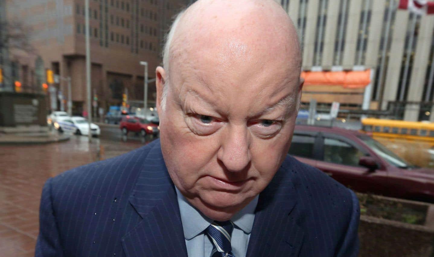 Exonéré en avril2016 des accusations qui pesaient contre lui au sujet du remboursement de dépenses inadmissibles, Mike Duffy retourne devant les tribunaux, cette fois à titre de demandeur.