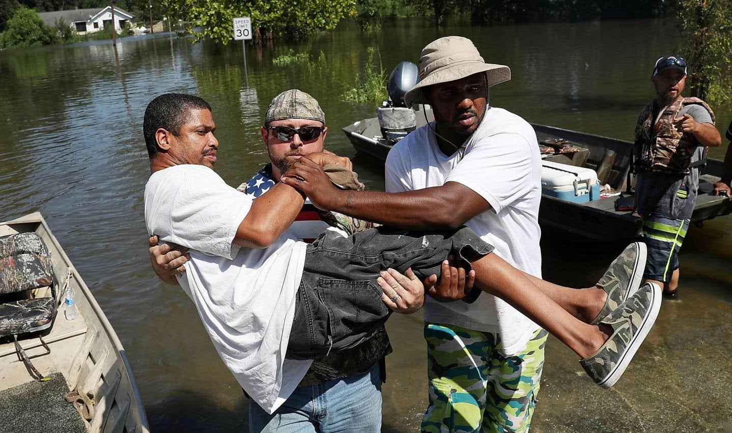 «Harvey»: poursuite des évacuations au Texas ravagé