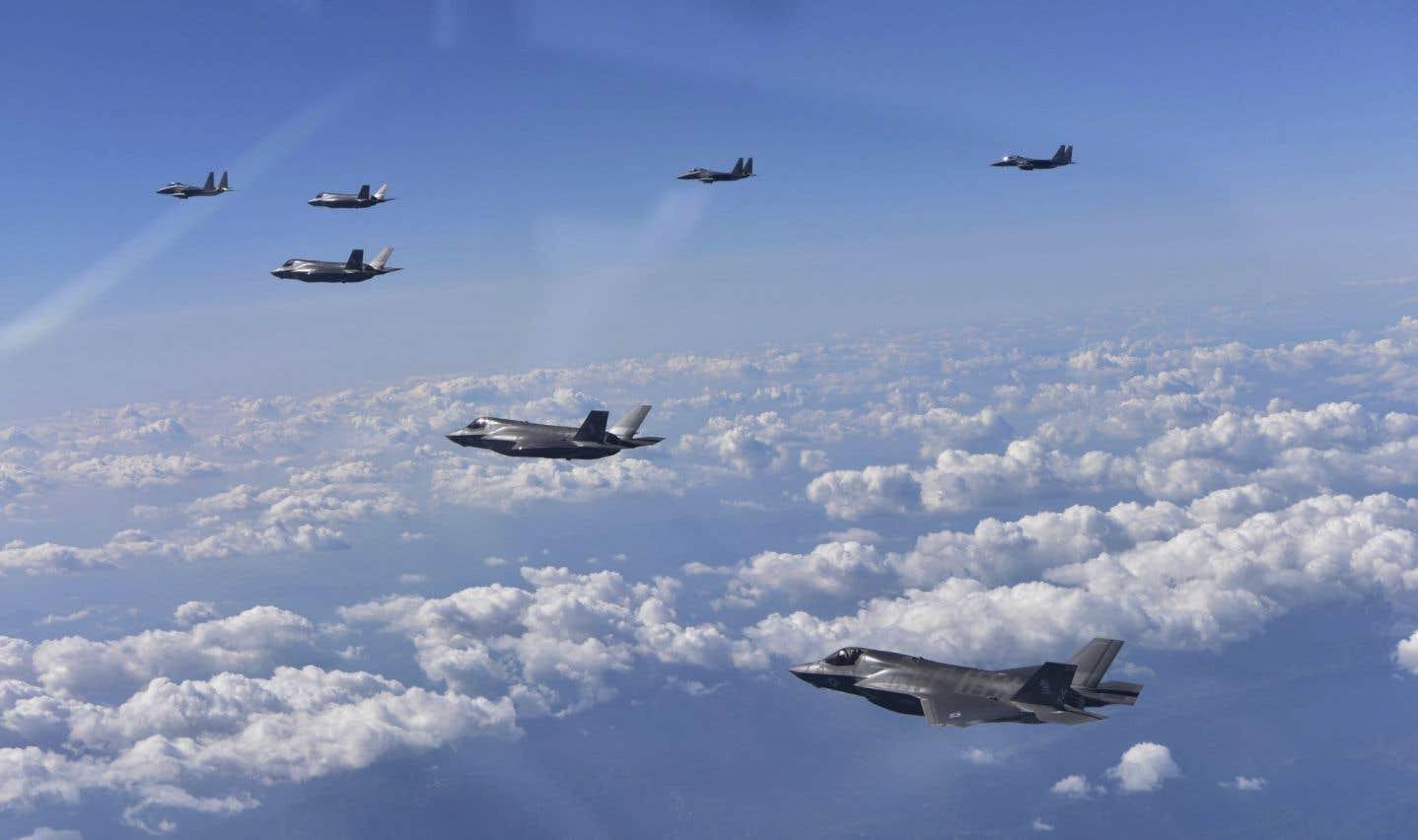 Deux bombardiers B-1B et deux chasseurs furtifs F-35B américains ont pris part à un exercice aux côtés de quatre chasseurs sud-coréens.
