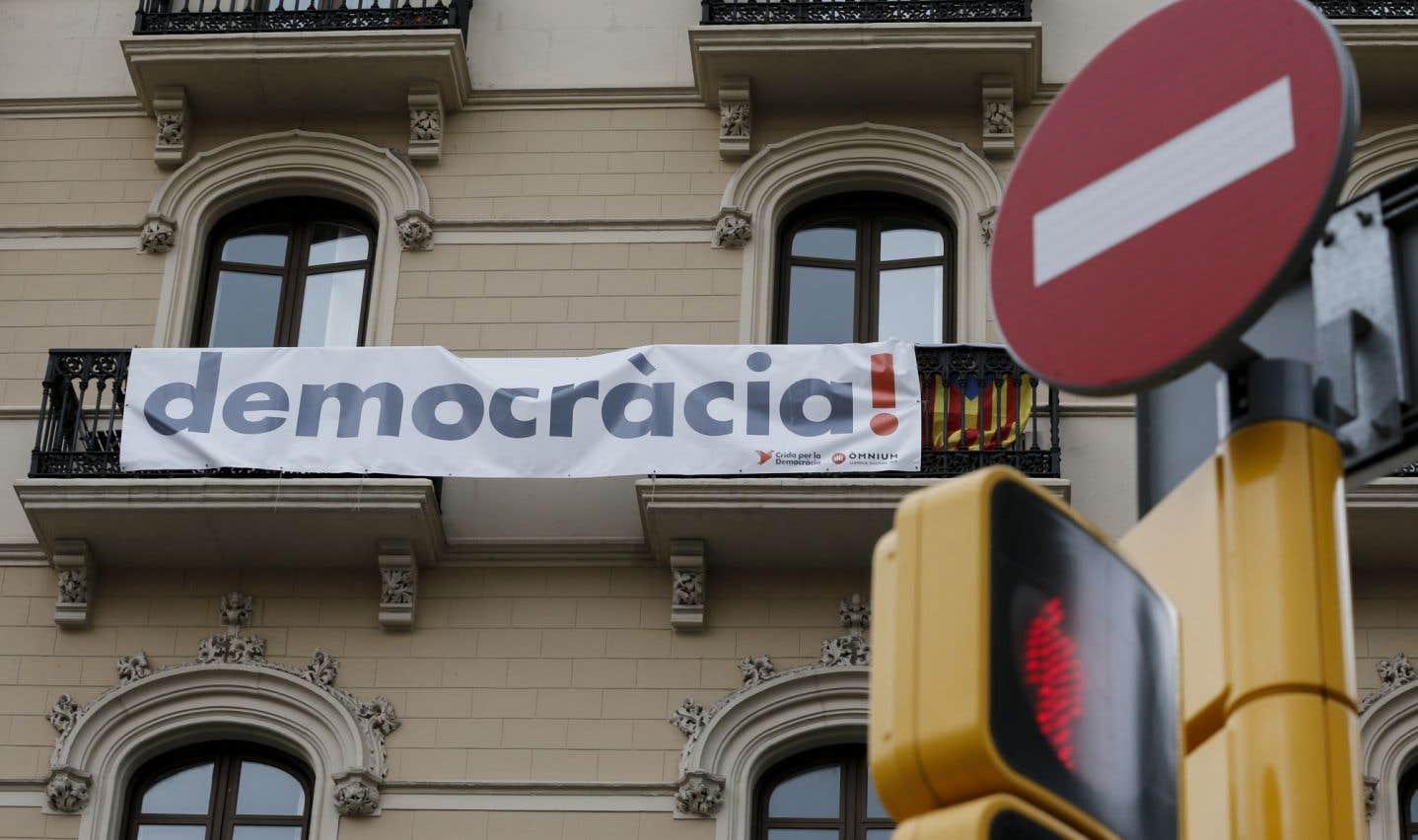 Madrid durcit le ton, les séparatistes catalans appuient sur l'accélérateur