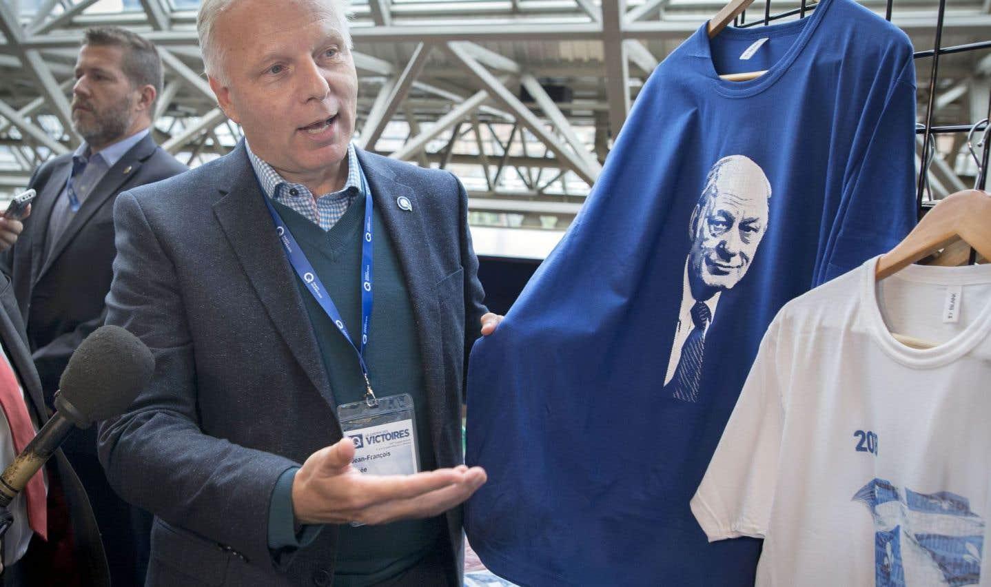Des militants défient Lisée sur la langue au congrès du Parti québécois