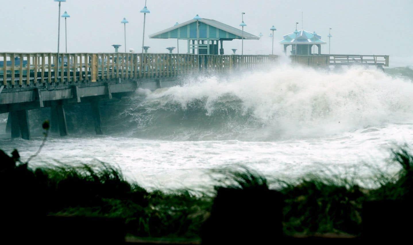De brutales montées des eaux sont attendues en Floride.
