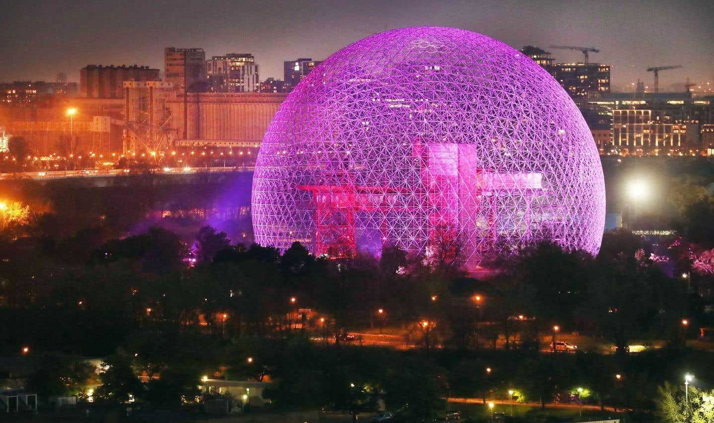 Le Dôme géodésique de Buckminster Fuller, réalisé pour Expo 67, signal de l'entrée du pays dans la postmodernité, en vient à symboliser pour Sphère(s) tous ses principes de base: innovation, convivialité et cosmopolitisme.