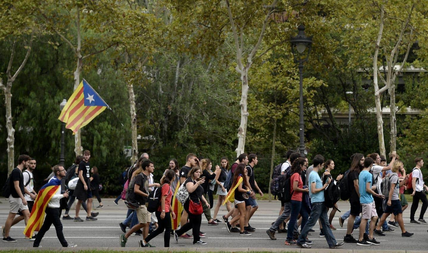 «Nous voterons!»ou«Bonjour démocratie!», ont scandé les manifestants.