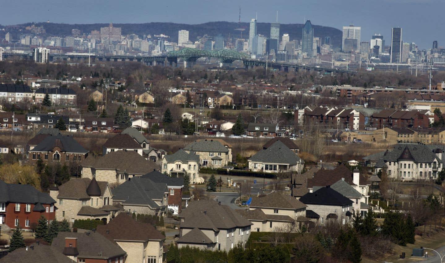 Les immigrants se regroupent en banlieue comme à la ville