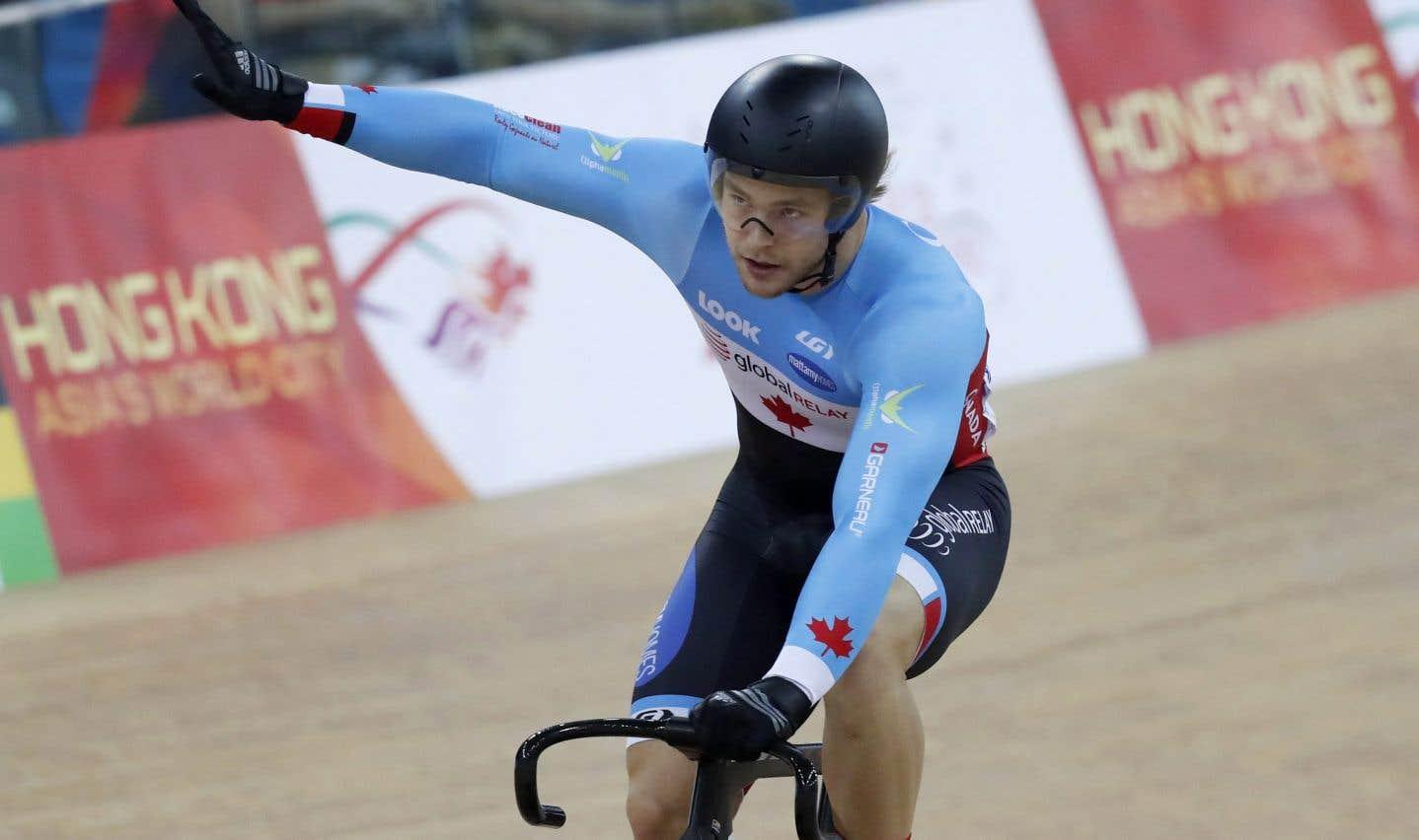 Le cycliste Hugo Barrette