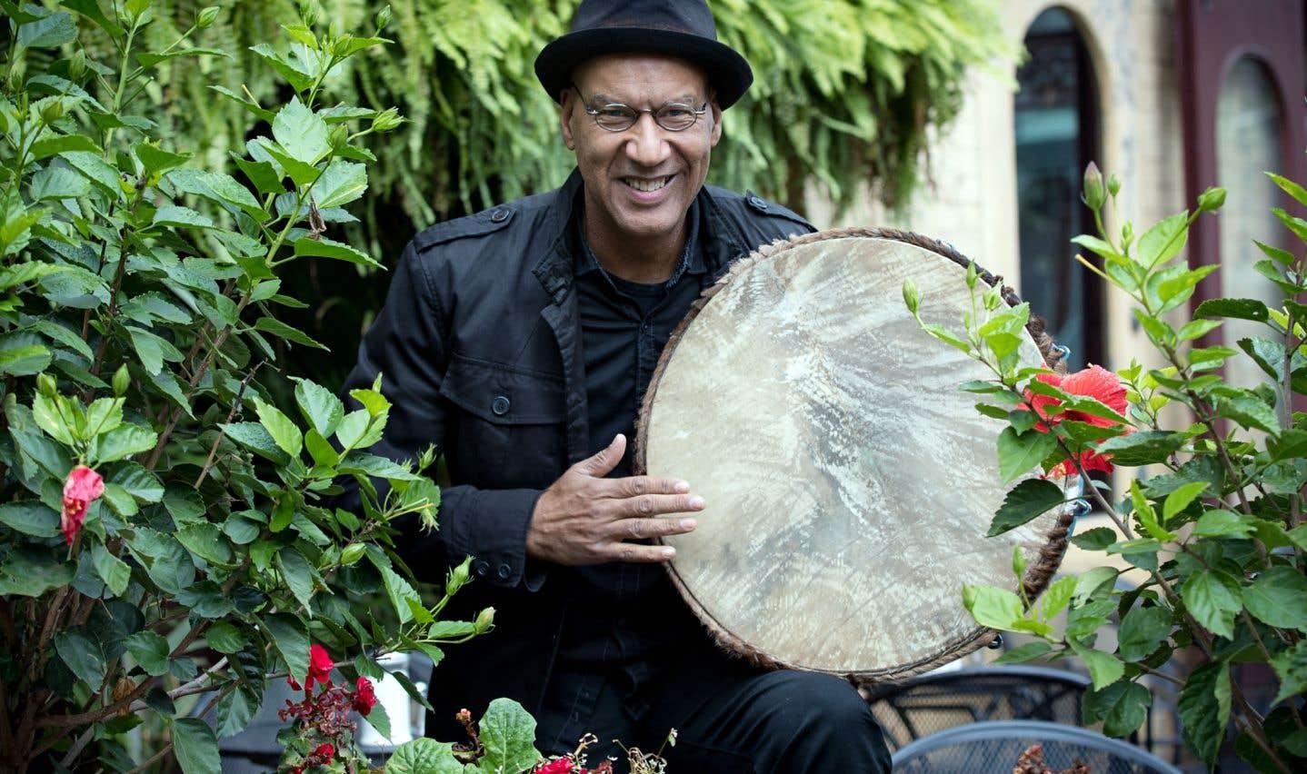 «Anba Tonèl», l'album de Daniel Bellegarde, est une ode véritable aux musiques de danse et à la libre chanson sous la tonnelle.