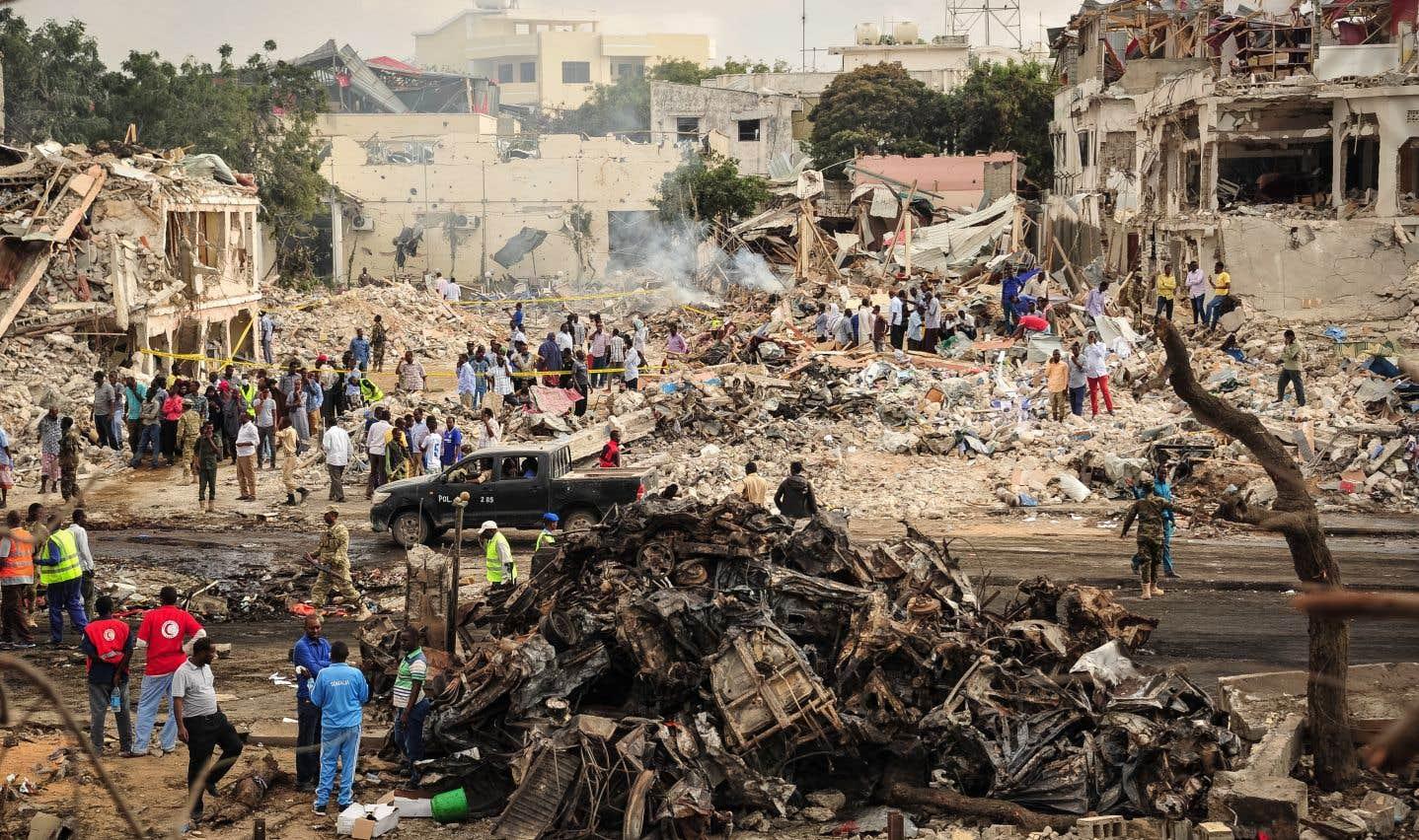 L'explosion s'est produite devant le Safari Hôtel, un établissement populaire,sur une rue très achalandée de la capitale.
