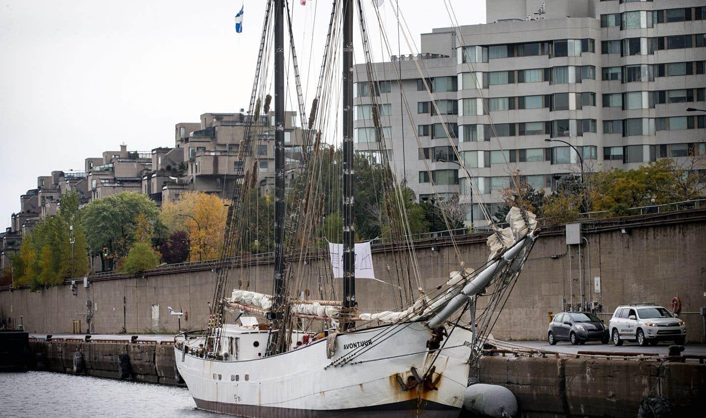 La goélette «Avontuur» a quitté le port de LaRochelle, en France, le 30août dernier pour prendre le large et rejoindre la métropole québécoise à la force du vent et du soleil.