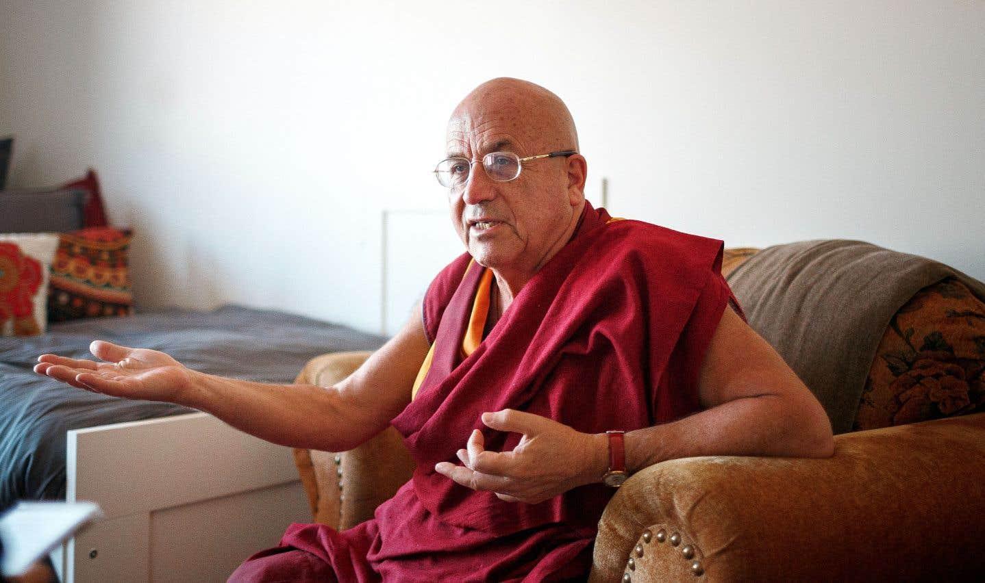 Moine et interprète du dalaï-lama, Matthieu Ricard ne condamne pas d'emblée le long silence d'Aung San Suu Kyi face au sort réservé aux Rohingyas.