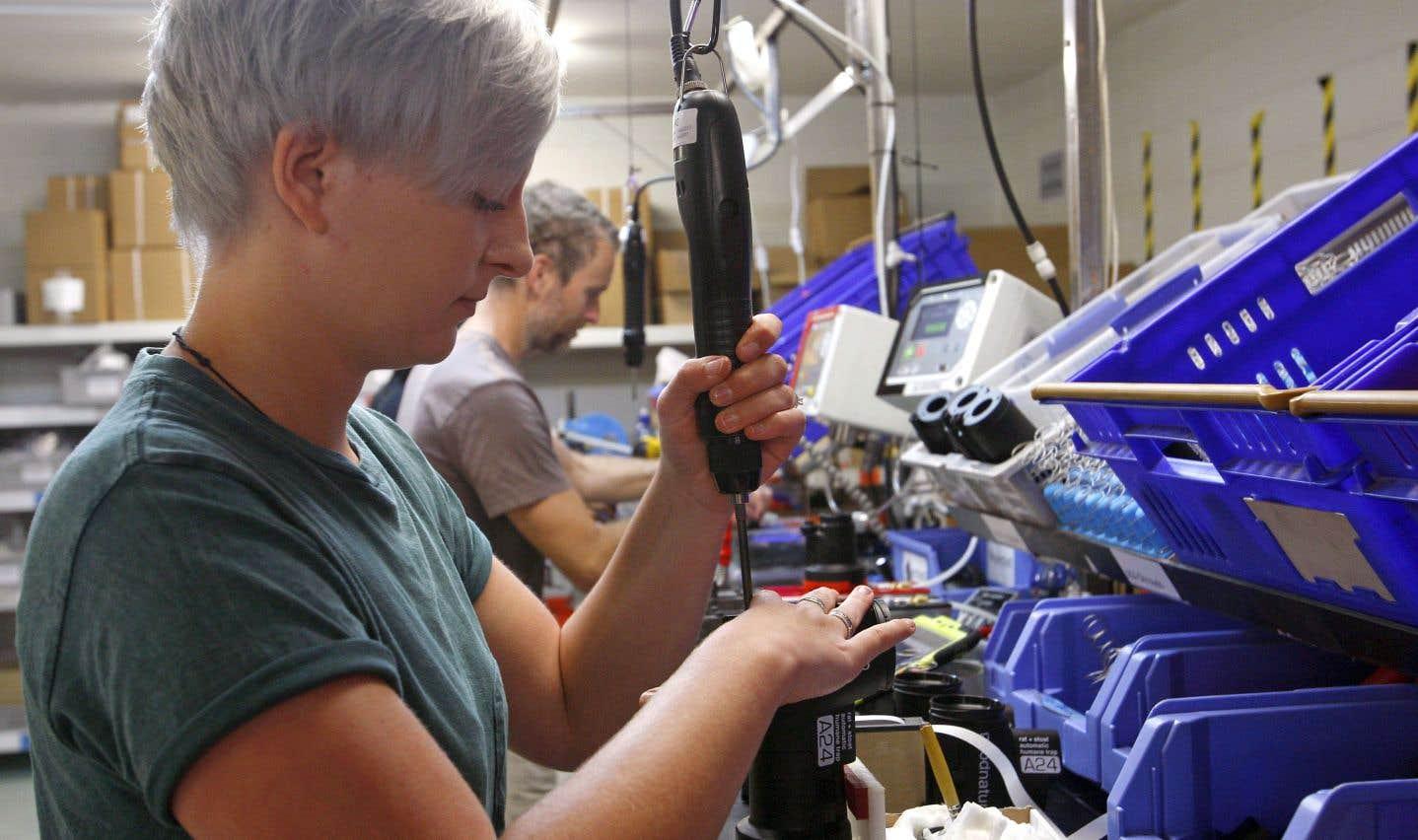 Le fossé des sexes persiste dans le secteur manufacturier
