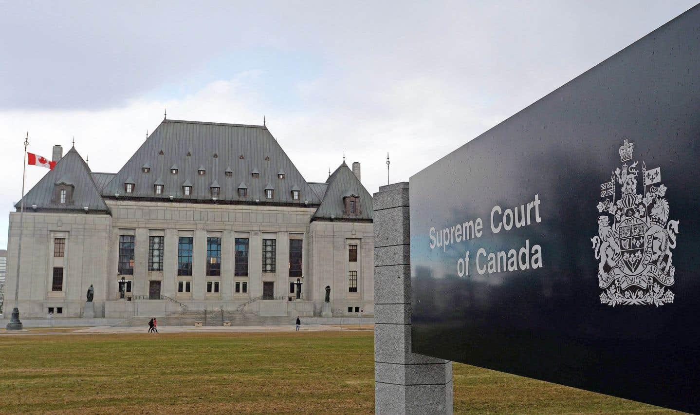 Le bilinguisme à la Cour suprême rejeté