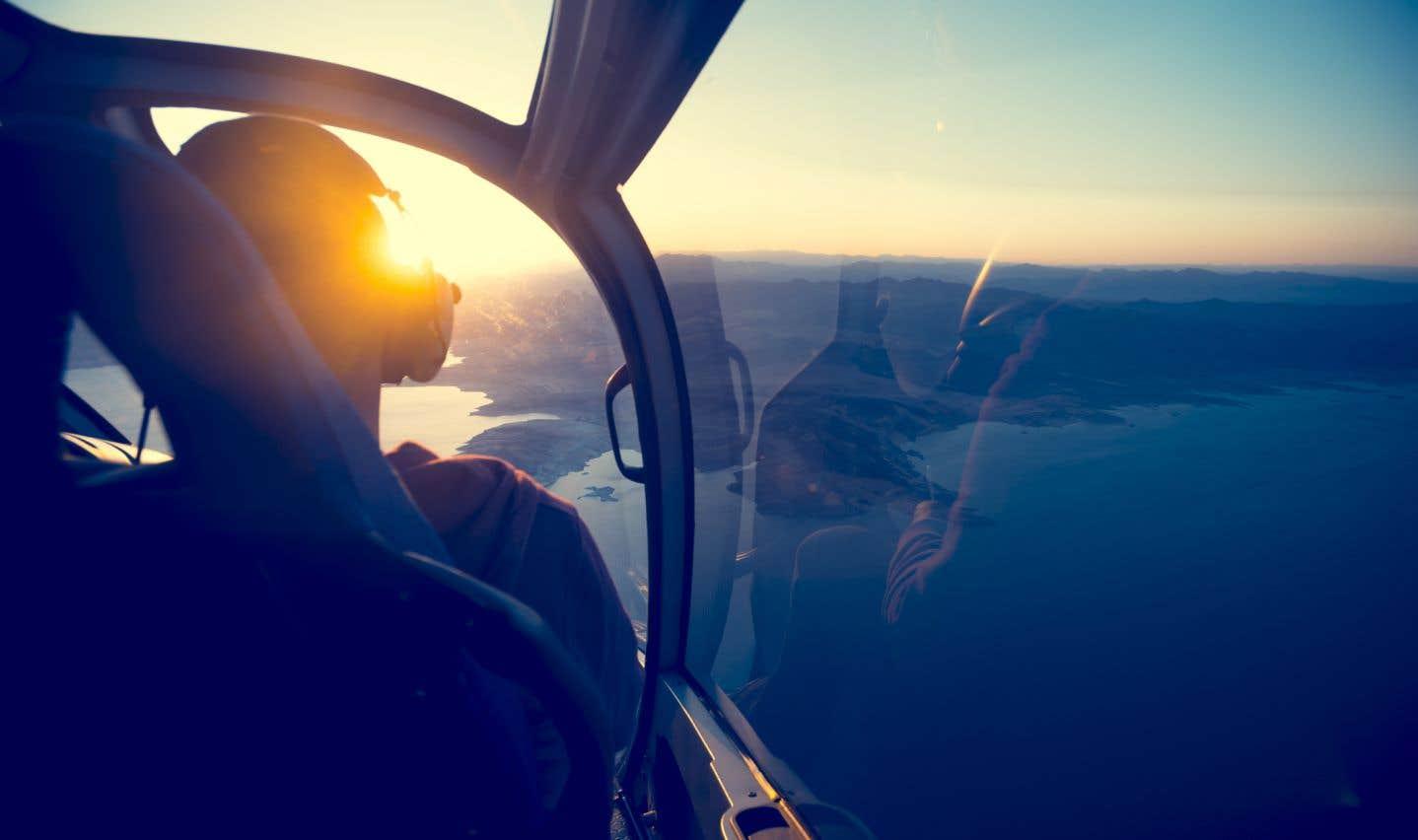 Groupe HNZ fournit des services de transport par hélicoptère et des équipages dans les secteurs des ressources naturelles ainsi que du soutien militaire, notamment.
