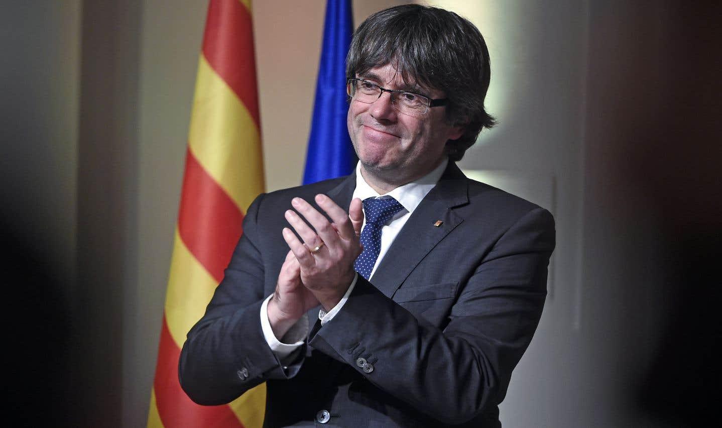 Puigdemont interpelle l'UE et dénonce un «coup d'État» contre la Catalogne