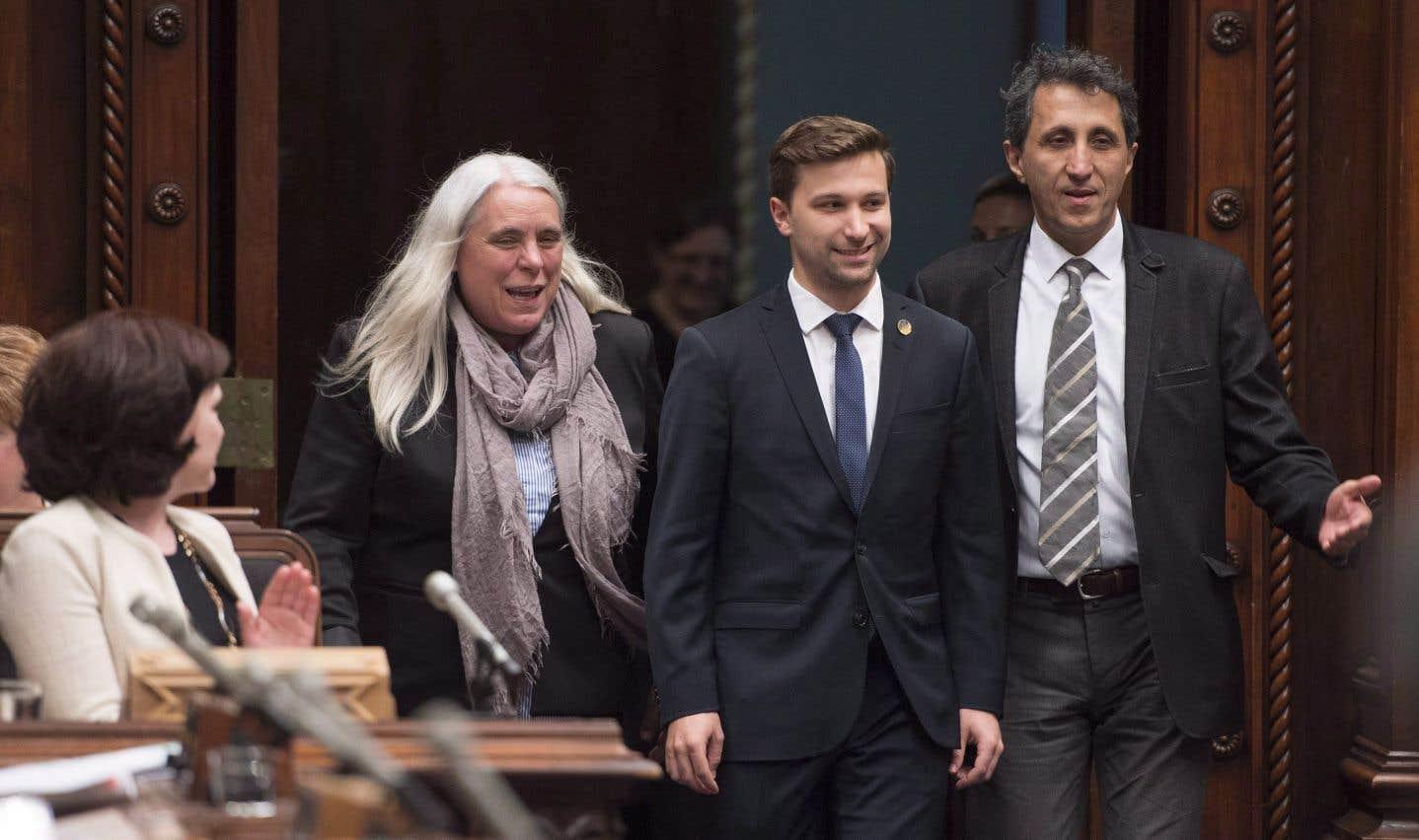 Amir Khadir ne craint pas que l'invitation d'indépendantistes au Québec provoque une crise diplomatique avec l'Espagne.