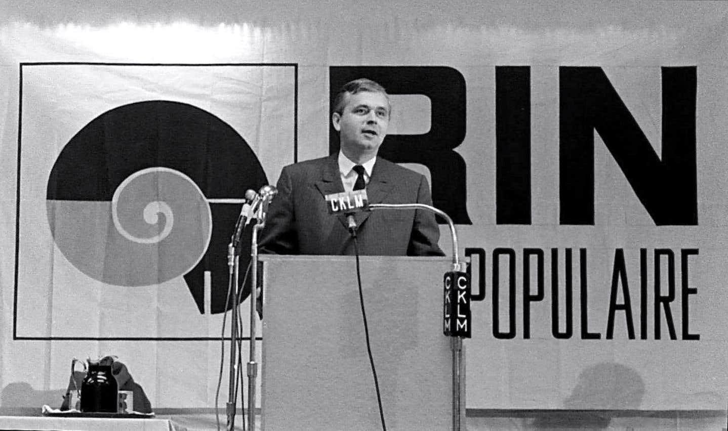 Après sa démission fracassante du Parti libéral en 1967, le député François Aquin prit à quelques reprises la parole devant des militants du RIN en compagnie de Pierre Bourgault.