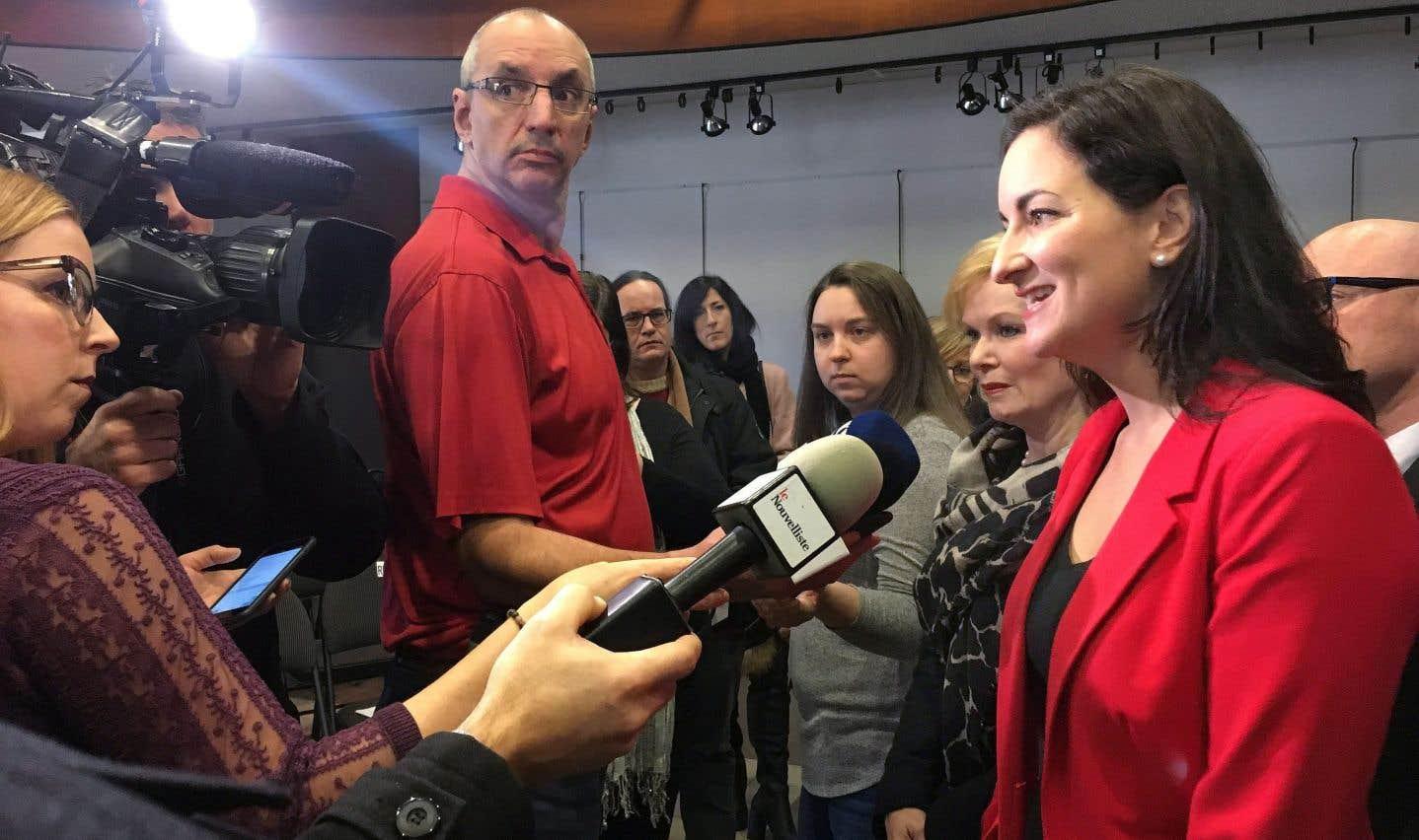 La ministre de la Culture et des Communications, Marie Montpetit, a dévoilé, lundi à Trois-Rivières, le détail des programmes mis en place par le gouvernement du Québec pour soutenir la presse écrite pendant sa phase de transition vers le numérique.