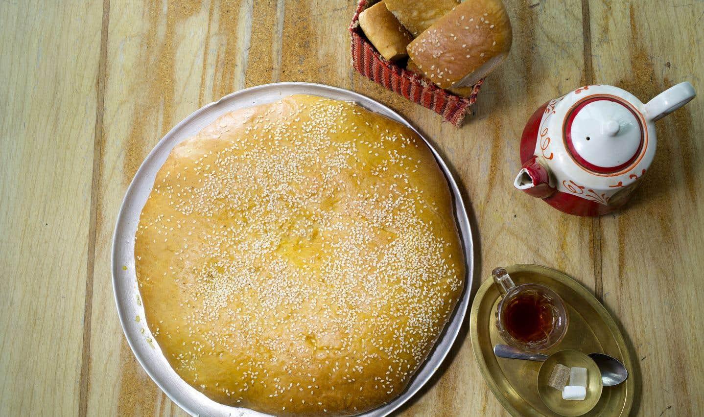 La recette de pain shirmal de la chef du Café Byblos, Heméla Pourafzal