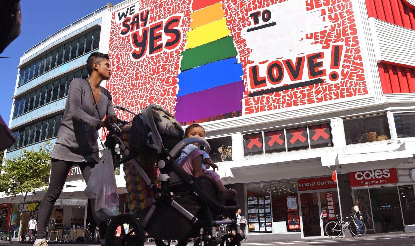 Australie: des couples homosexuels déposent leur demandes en mariage