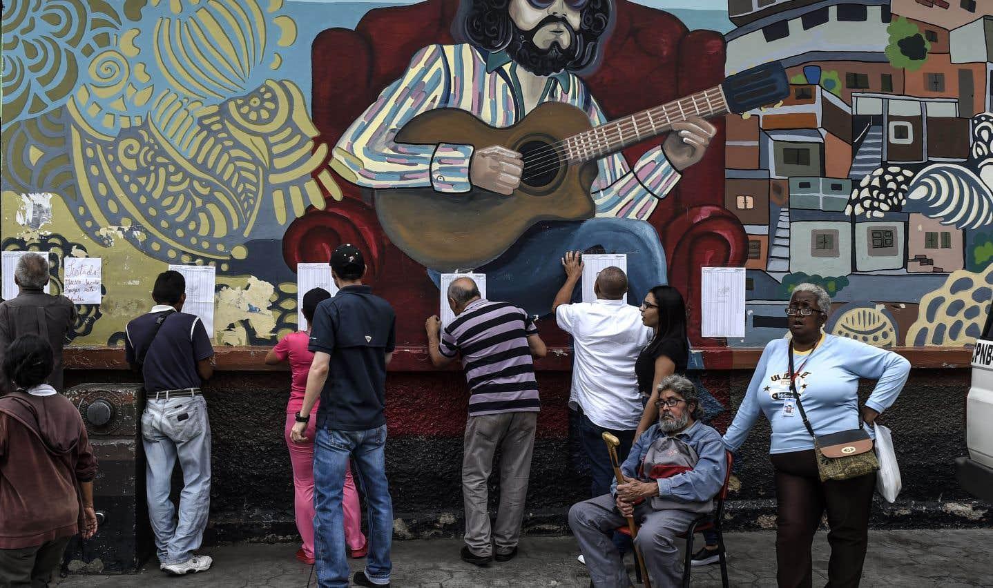 Venezuela: Maduro revendique la victoire aux municipales
