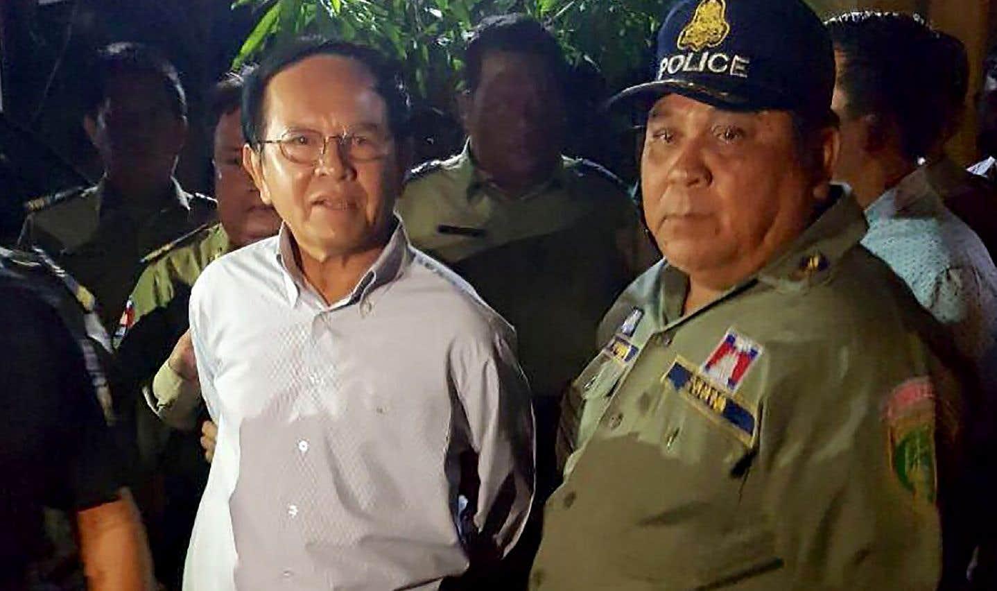 Début septembre, le chef du CNRP, Kem Sokha, avait été emprisonné et inculpé pour «trahison et espionnage» en faveur de Washington.