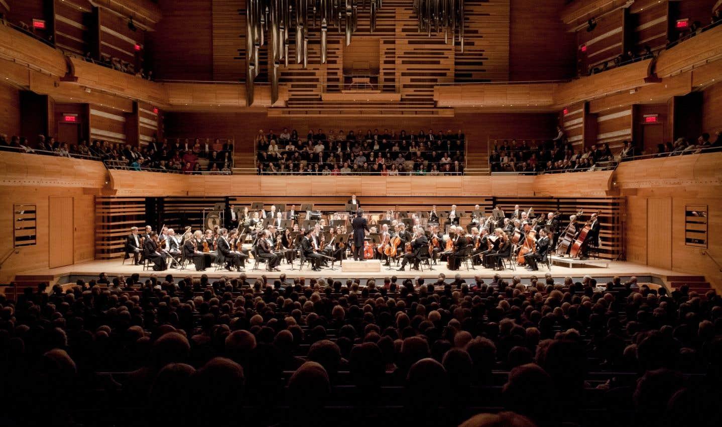 Au cours de leurs 40 tournées et sorties depuis plus de 50 ans, les musiciens de l'OSM ont toujours été fiers de représenter Montréal ainsi que tout le Québec et le Canada, tant au pays que sur la scène internationale, souligne l'auteur.