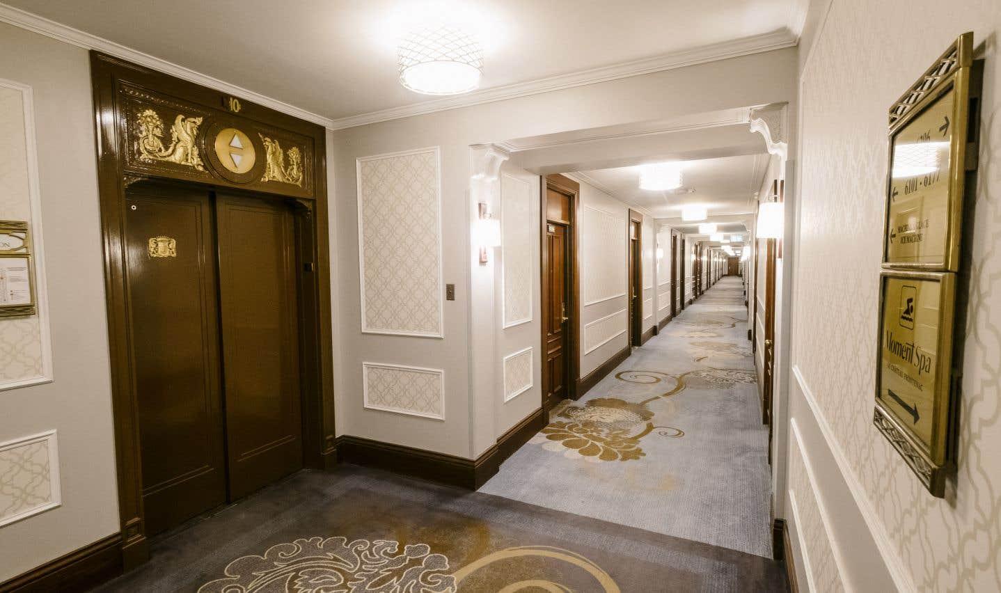 Les divers agrandissements que le bâtiment a connus au fil des époques témoignent des mutations de la richesse et du luxe que l'institution continue de symboliser.