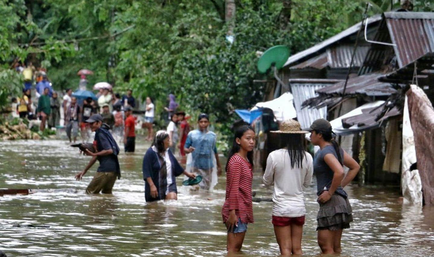 Les autorités ont mis en garde contre la possibilité d'inondations et de glissements de terrain.