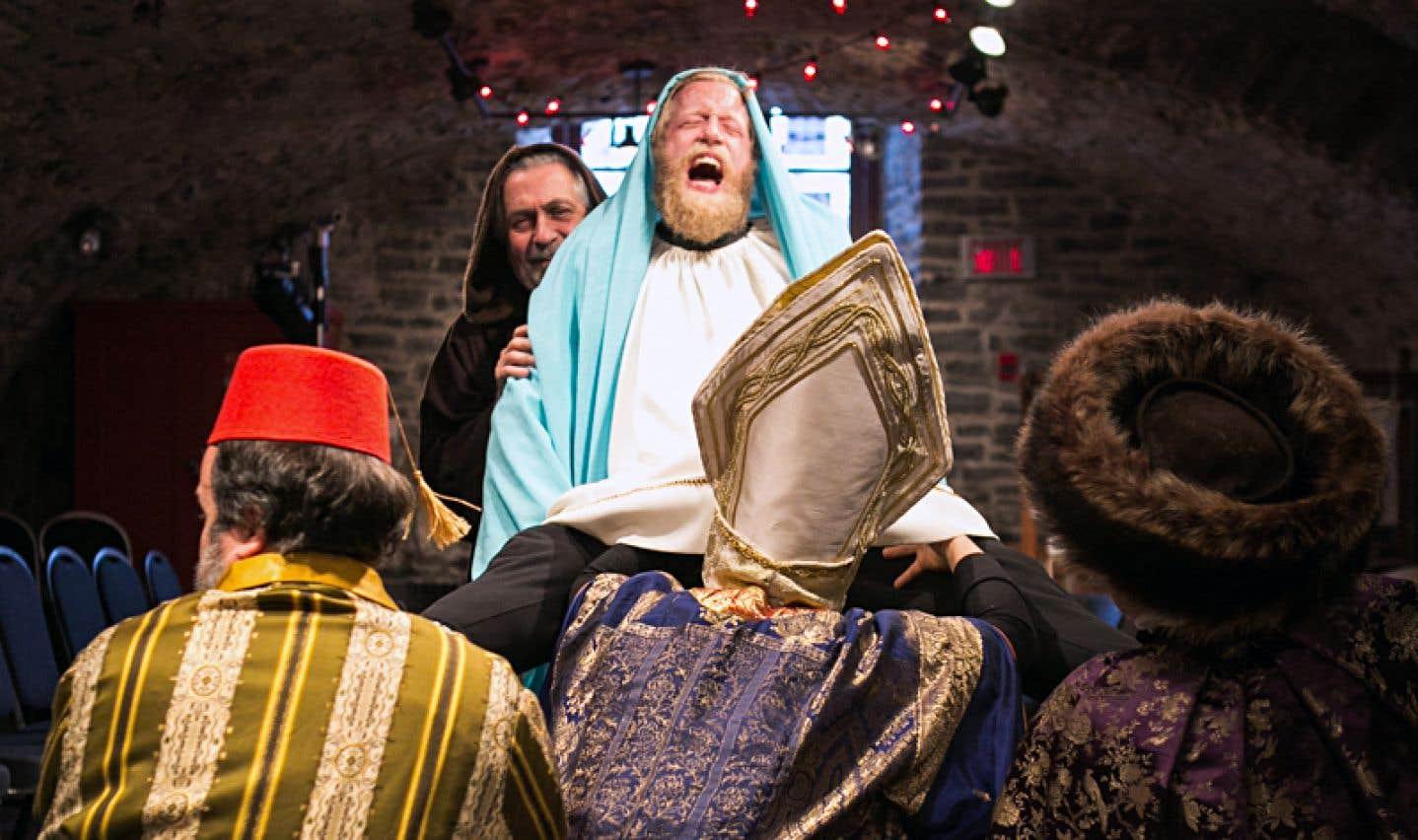 La scène finale boucle la soirée de belle façon avec une libre relecture de la nativité dans laquelle Gaspard, Melchior et Balthazar seront témoins d'une naissance inattendue.