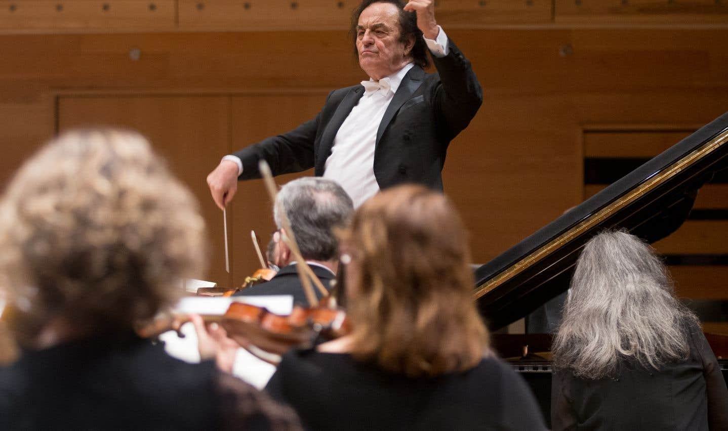 Des allégations d'inconduite sexuelle contre le chef d'orchestre Charles Dutoit