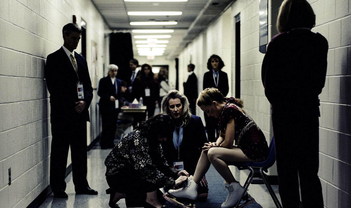 Dans sa structure, «Moi, Tonya» fonctionne comme «Prête à tout», de Gus Van Sant, qui, partant d'un fait divers, oscille également entre faux documentaire et parodie de docufiction.