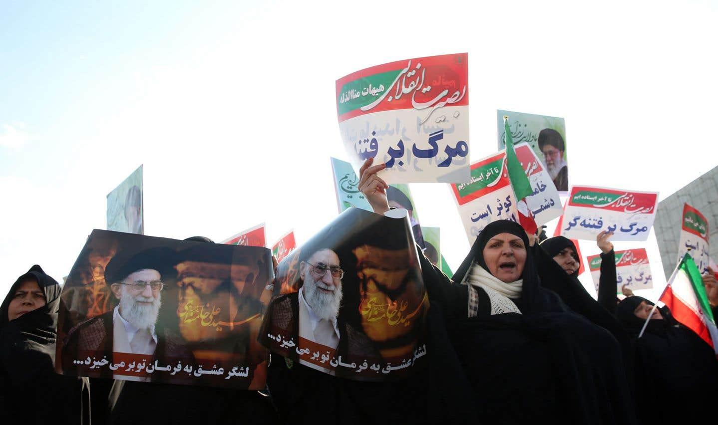 La télévision d'État a diffusé des images de manifestations importantes de soutien au pouvoir à Ispahan, Machhad, Oroumieh, Babol ou encore Ardebil.